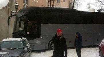 Un bus de la tournée, bloqué !