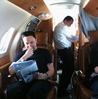 Paul à l'intérieur du jet privé de Rammstein