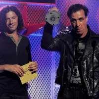 Christoph et Till sur scène pour récupérer du trophée
