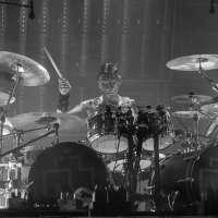 Photo Gus Griesinger @ backstageaxxess.com
